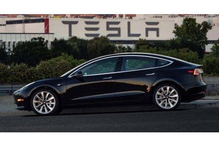 Why The Tesla Model 3 Is So Popular