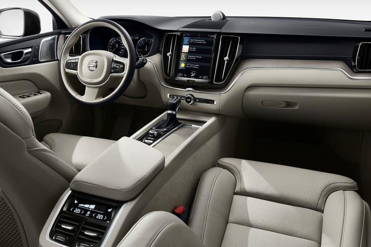 Volvo XC60 SUV 2.0 B5 MHEV 250PS Momentum 5Dr Auto [Start Stop] inside view